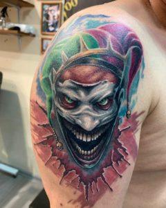 Фото тату на плече клоун