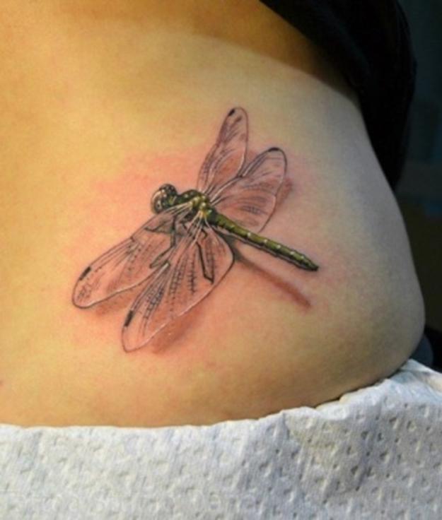 Реализм для татуировки стрекозы