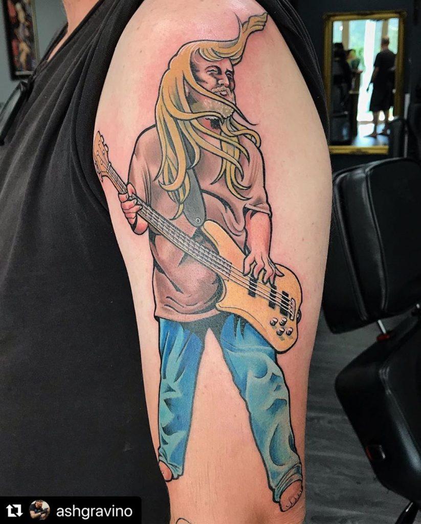 такой тату фото рок н ролл запустили дилижанс, это