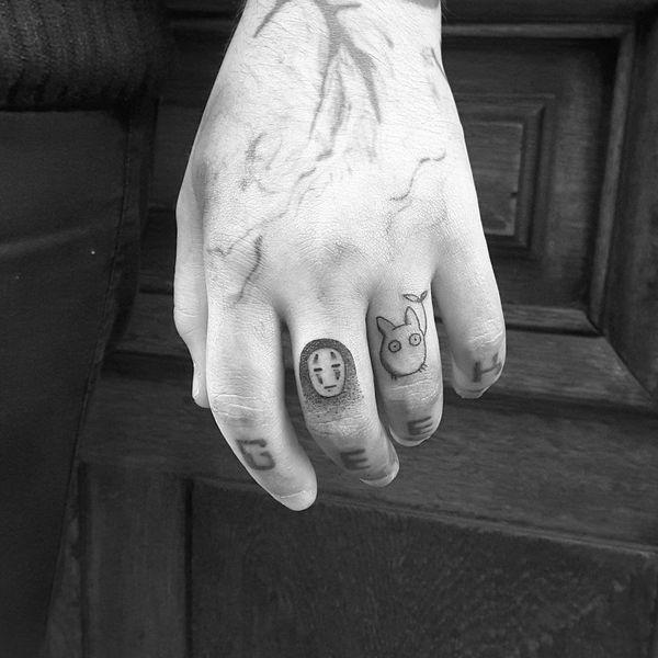 вымышленные животные на пальцах