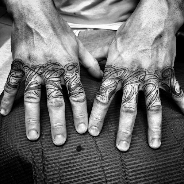орнаменты на пальцах