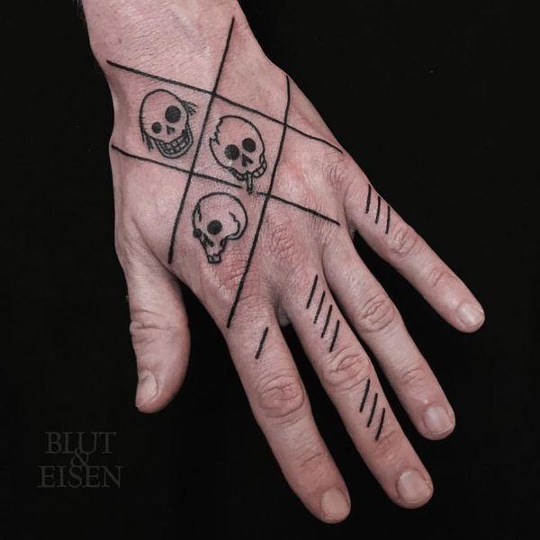 линии на пальцах в тату