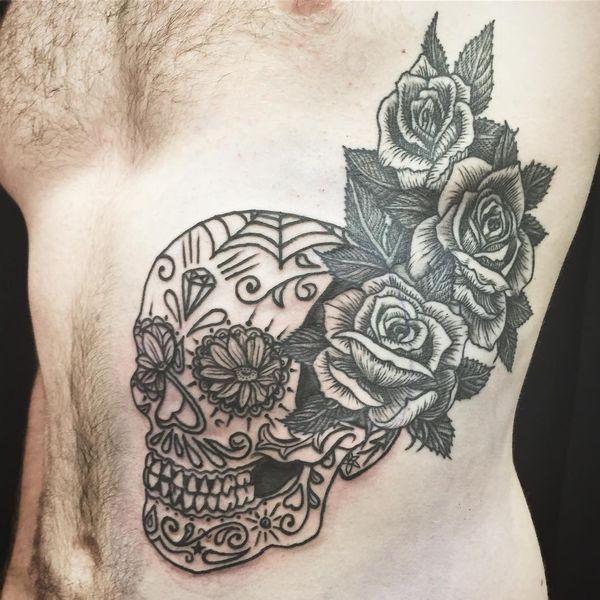 Лучшие татуировки сахарных черепов для мужчин на ребрах