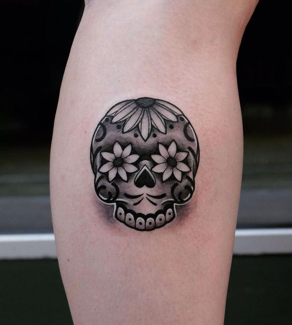Татуировки с сахарным черепом для женщин