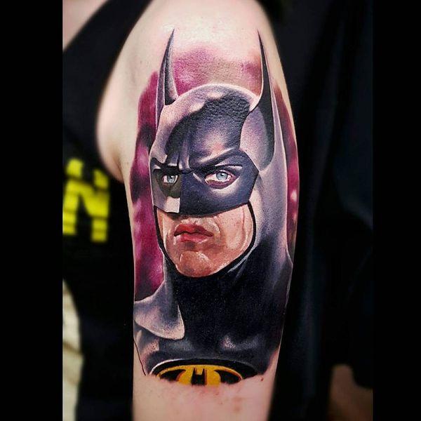 Очаровательная 3D татуировка Бэтмена на руке