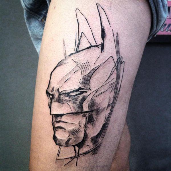 Черно-серый Бэтмен силуэт татуировки на бедре