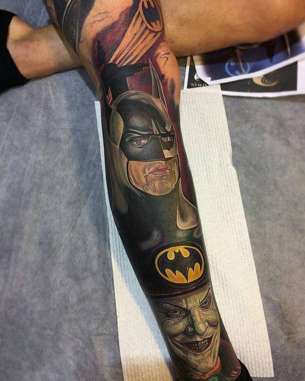 Великолепная татуировка рукава Бэтмена и Джокера