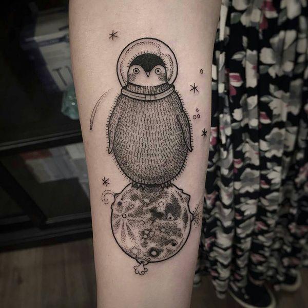 Изображение татуировки пингвинов Луны