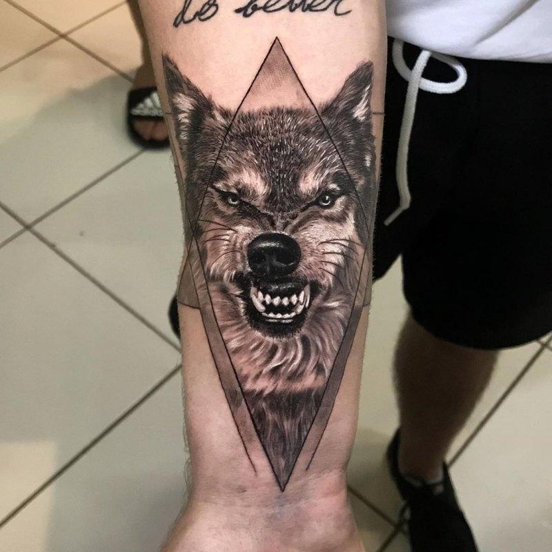 Волк в ромбе