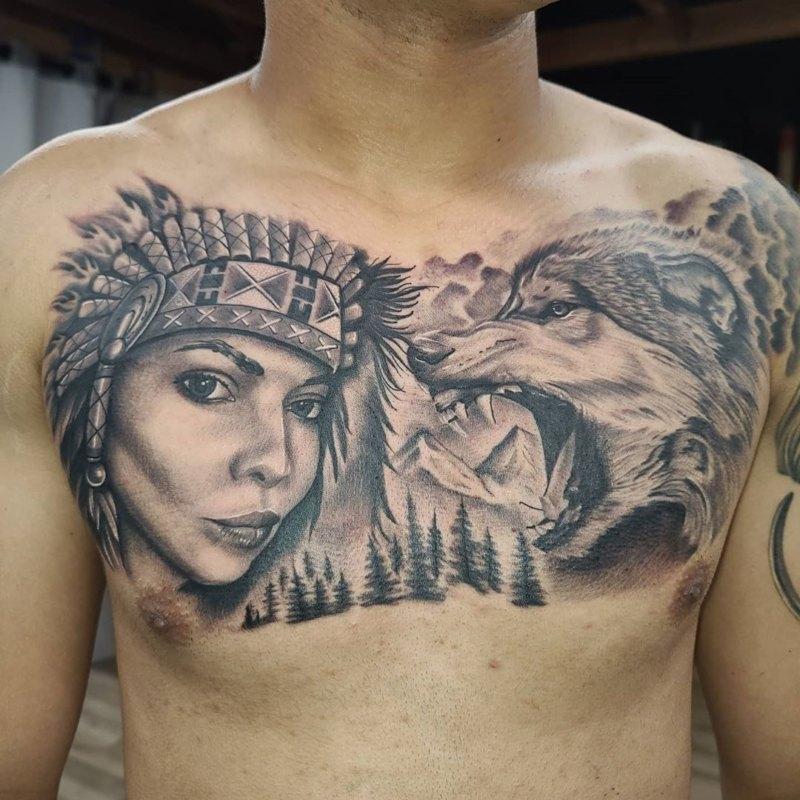 оскал волка с девушкой на груди
