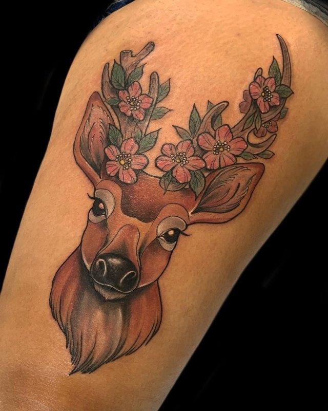 цветное тату оленя