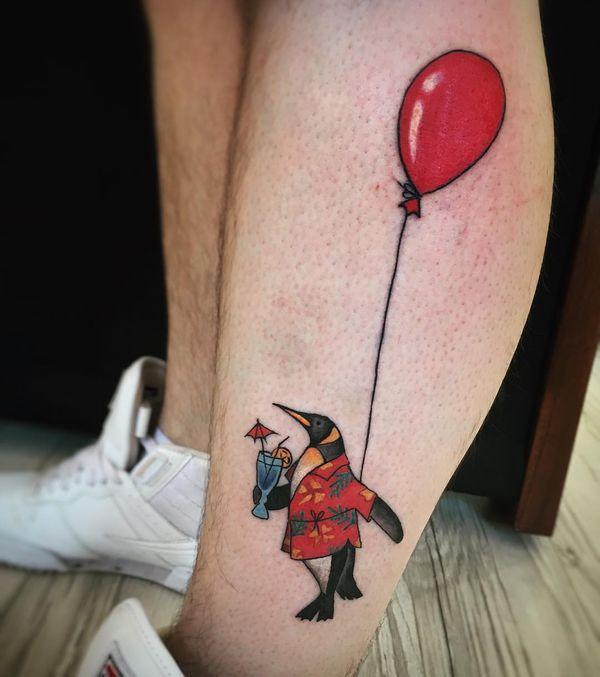 Забавная картина татуировки пингвина