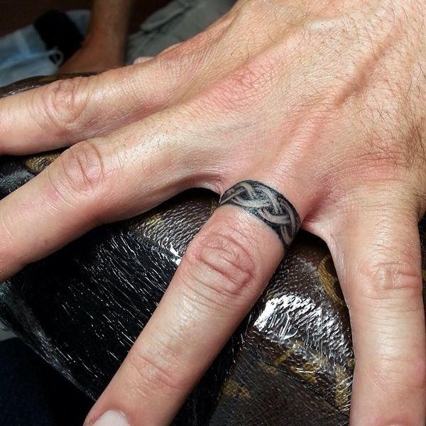 Тату кельтское обручальное кольцо для мужчин