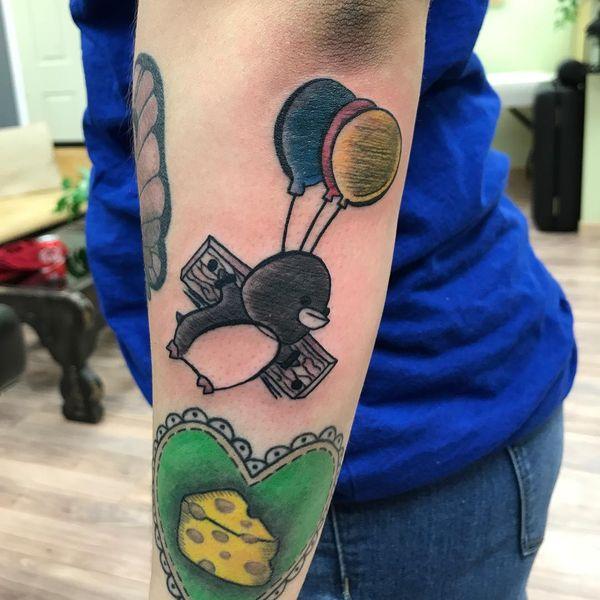 Симпатичная татуировка пингвинов