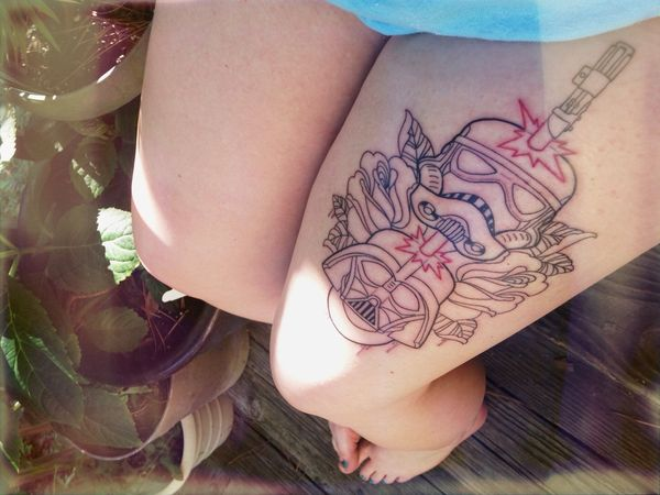 """Удивительная татуировка """"Звездные войны"""""""