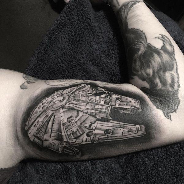 Потрясающая черно-белая татуировка Star Wars