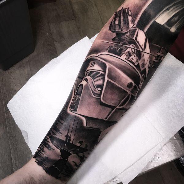 Красивая черно-серая татуировка Star Wars с длинными рукавами