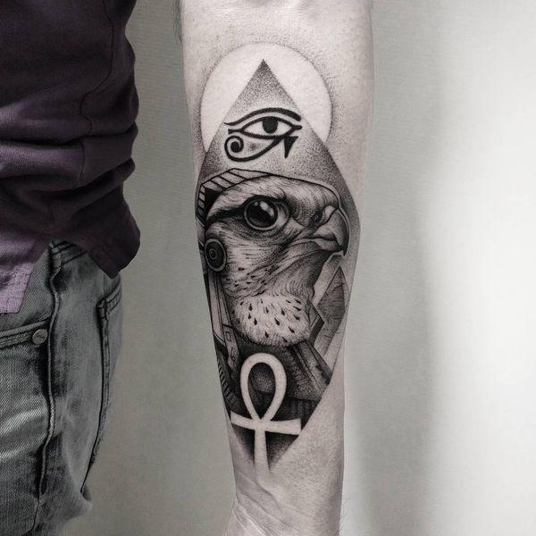 Прикольные разные тату египетской тематики на предплечье