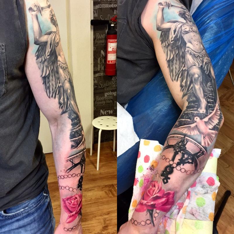 Одна из лучших татуировок Святого Михаила на руке