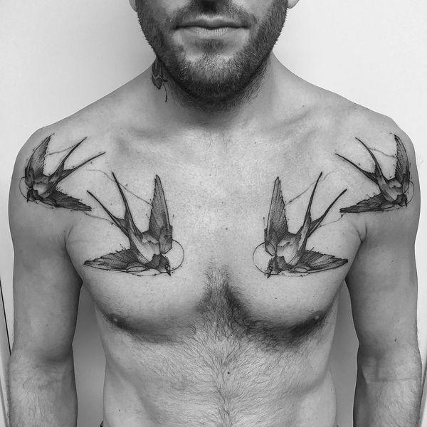 Хорошая идея татуировки воробья для парней
