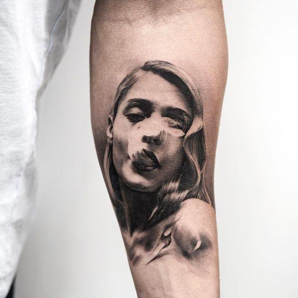 Захватывающая дух тату портрет для парней