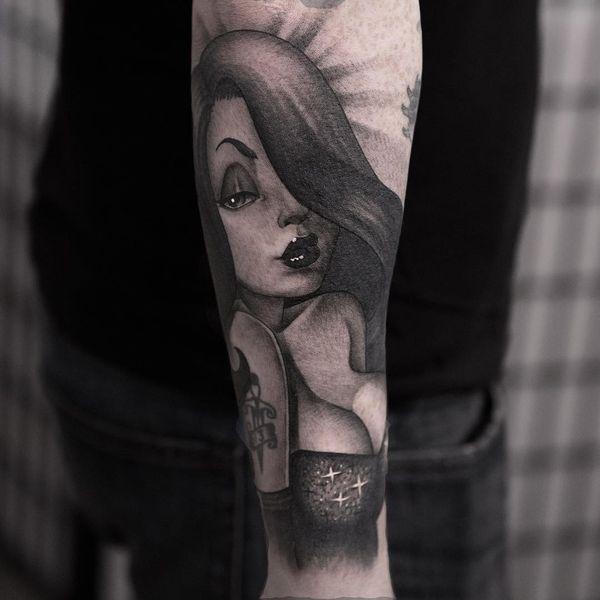Сексуальная черно-серая татуировка Джессика Рэббит в стиле кинозвезды для парней