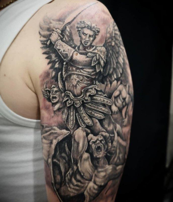 Татуировка на плече Rad St Michael