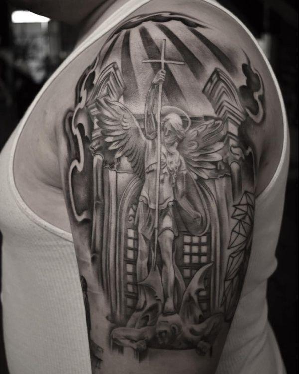 Удивительная идея татуировки архангела Михаила