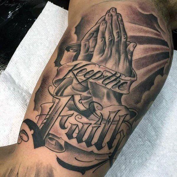 Безупречная татуировка с верой