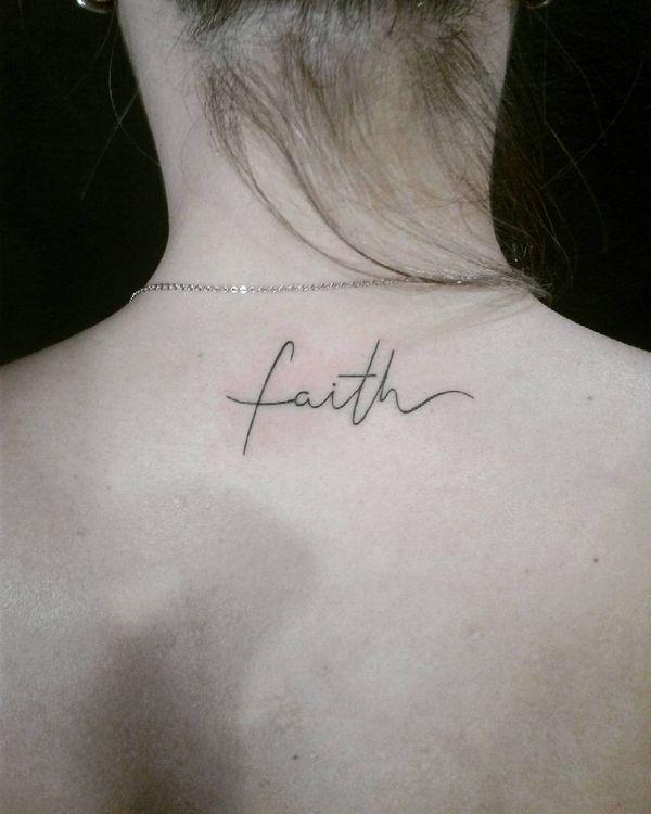 Тату вера на шее