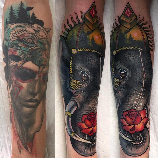 Татуировка на полу рукава в виде индийского слона с эффектными красочными украшениями