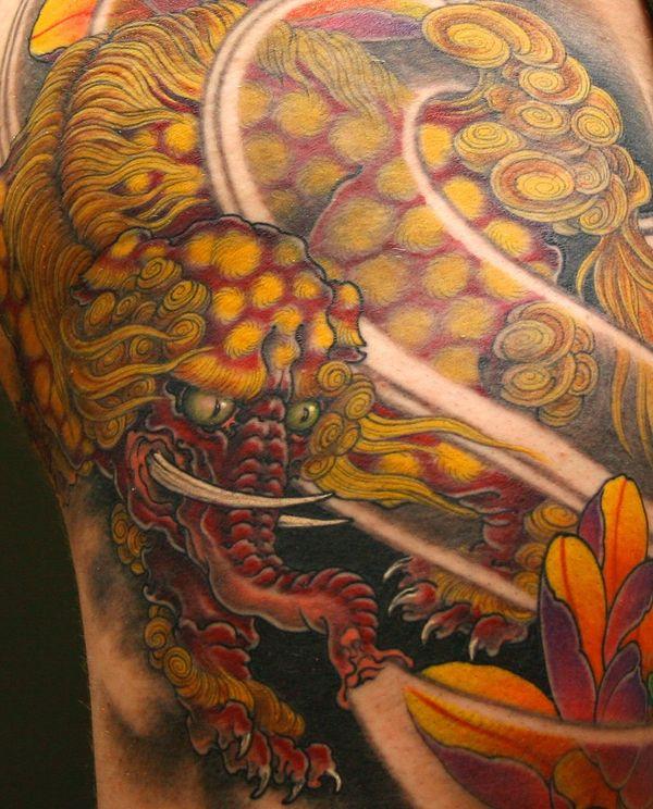 Тату дракон-слон на спине в японском стиле