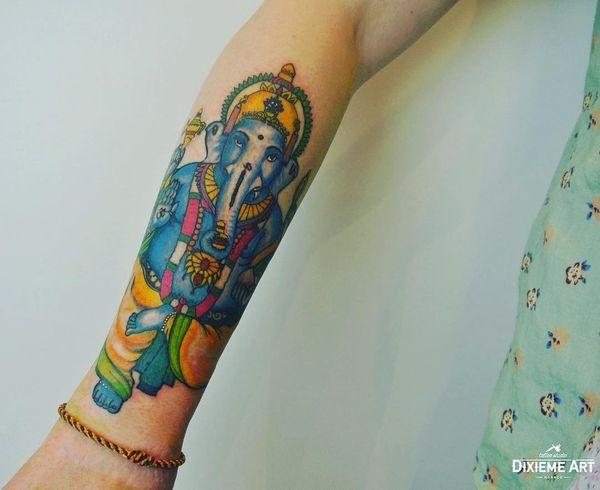 Великолепный религиозный мотив Будды с полурукавом
