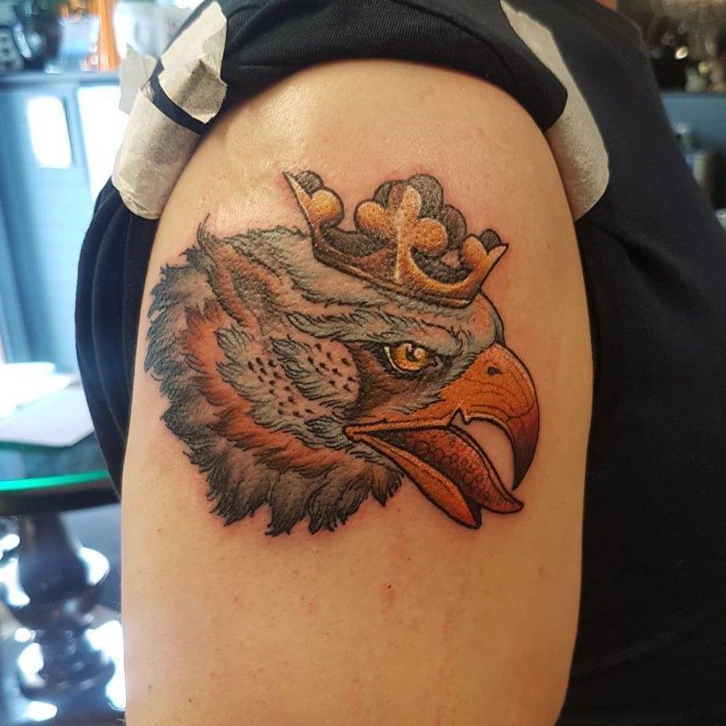 Орел с короной