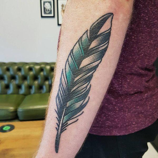 Жирная татуировка перо перо