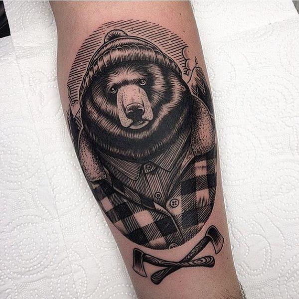 Американская традиционная татуировка медведя на ступне в стиле глубокой печати