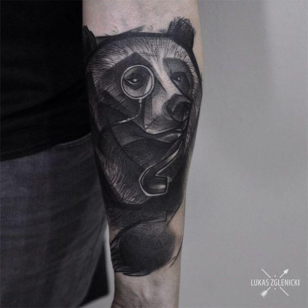 Тату медведь на рукаве блэкворк