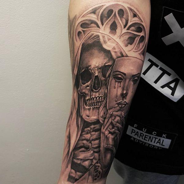 Татуировка смерти с маской