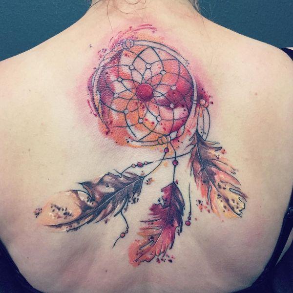 Татуировка Ловец снов в акварельном стиле на спине