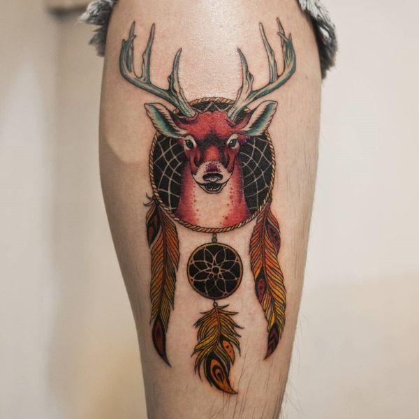Темный компас Ловец снов с татуировкой на руке якоря