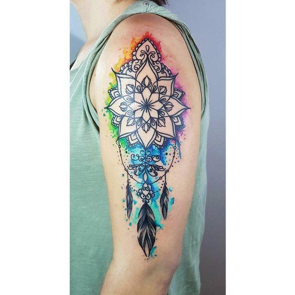 Татуировка на полу рукава - мандала - ловец снов