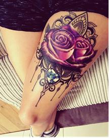 Татуировка бриллианта на ноге