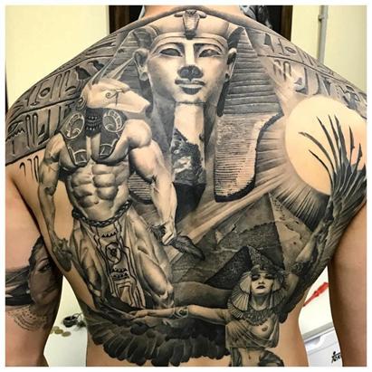 Анубис на спине с фараоном